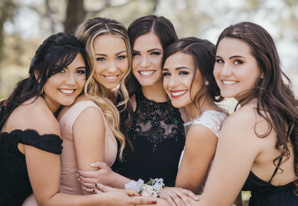 How to Structure Prom Shoots